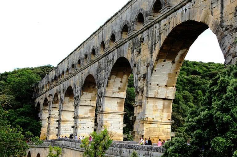 پل باستانی فرانسه
